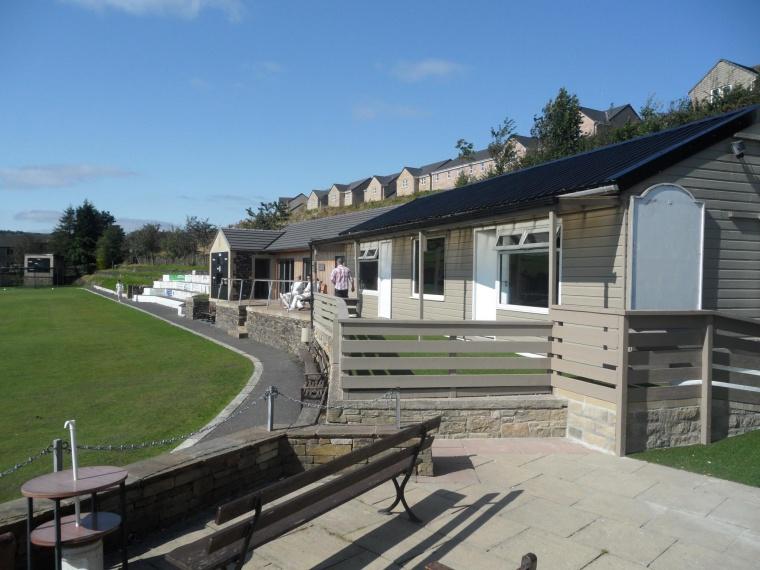 Masons' £1000 donation for Slaithwaite Cricket and Bowling Club